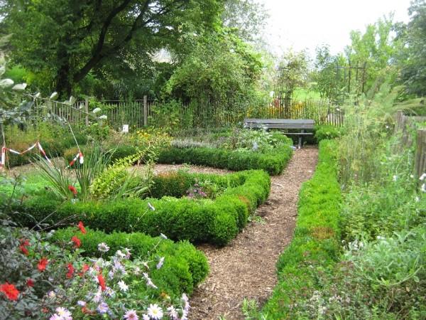 10.Tarbeaed Düsseldorfi botaanikaaias. Värske roheline oma aiast. Kuidas planeerida_00016