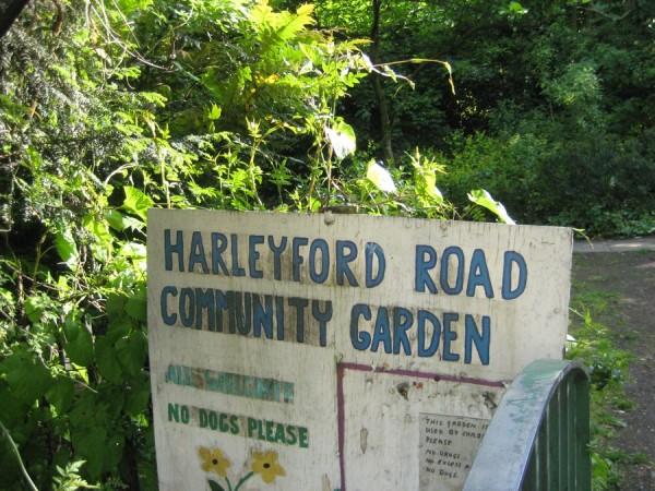 Aiakujundus.Harleyford-garden-London_00001